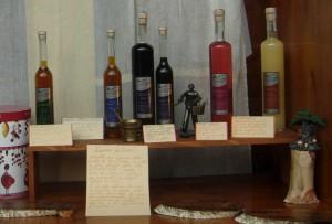 Liquori vetrina Erboristeria Emilio Bianchi